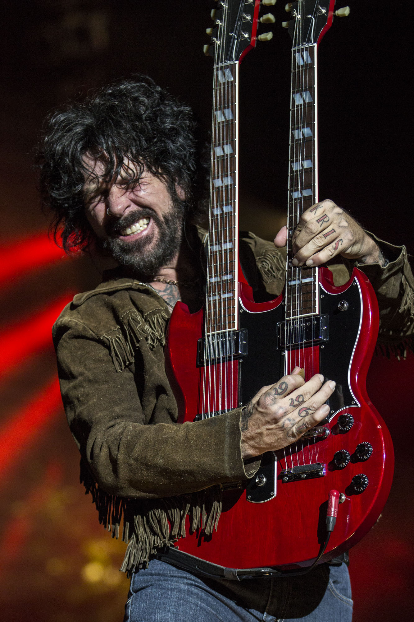 """""""Raiding the Rock Vault"""" Announces Tracii Guns Performance Dates in October and November"""